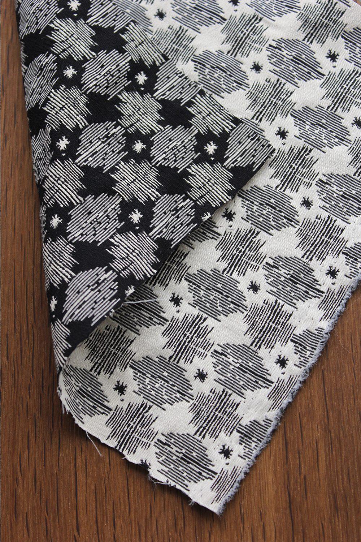 tissu gift jacquard stretch noir et blanc folkandfabric. Black Bedroom Furniture Sets. Home Design Ideas