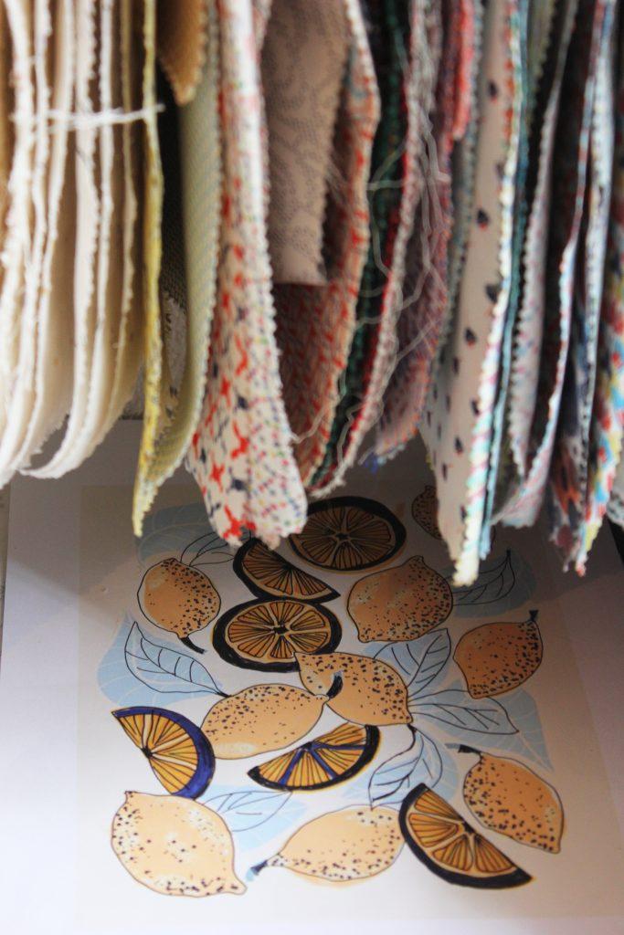 Les tissus Créez vos vêtements et vos accessoires de décoration avec notre ribambelle de tissus aux matières et motifs variés.